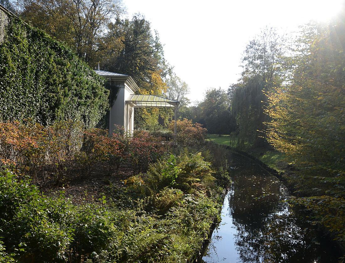 Schlossgarten Oldenburg, Blick auf den Teepavillon. Foto: Landesmuseum für Kunst und Kulturgeschichte, Sven Adelaide